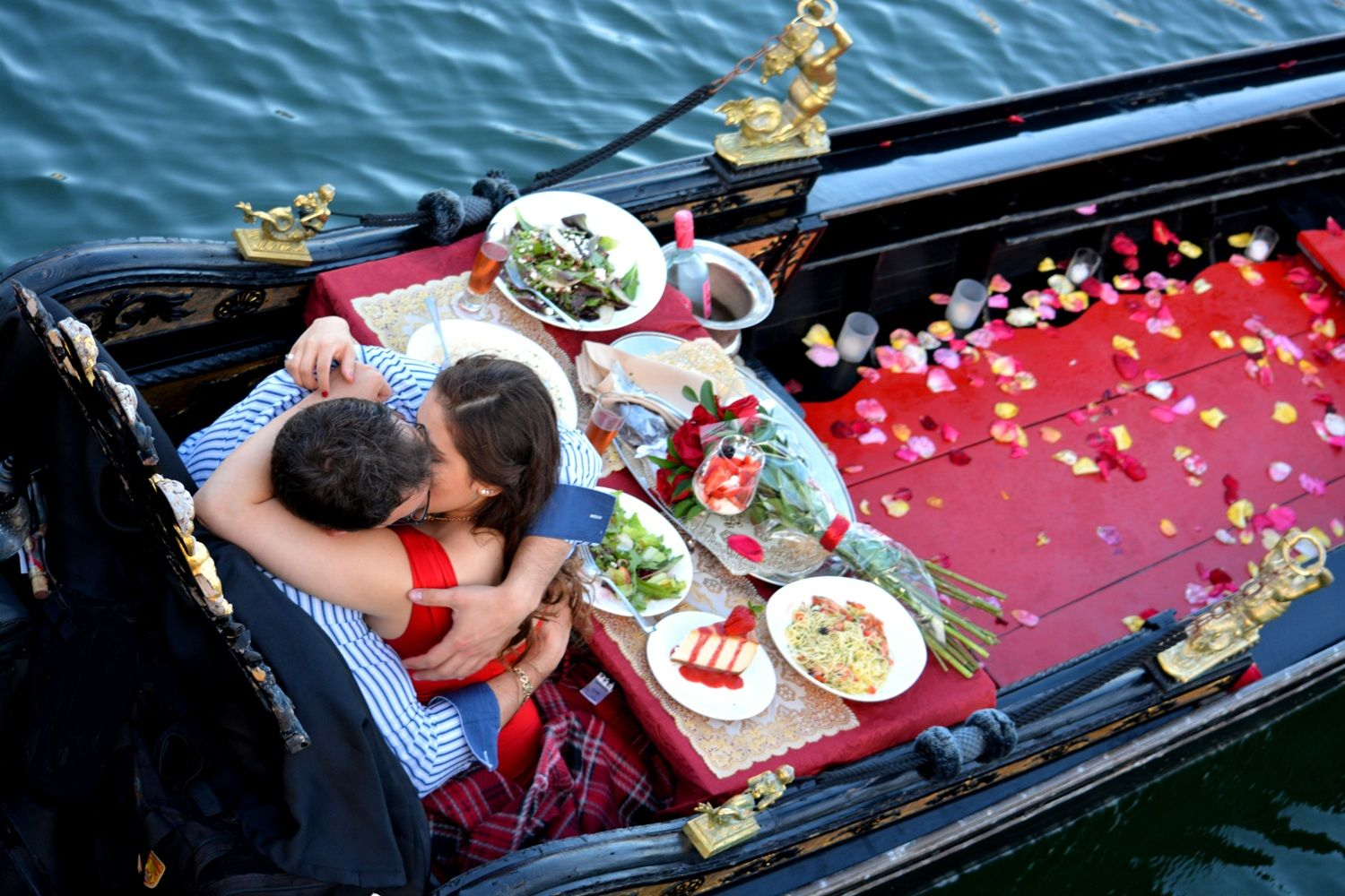 Kiss Like You Mean It On A Gondola Perfect Newport