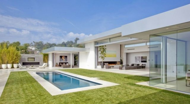 Hausbau ideen gestaltung  Pool Rasenfläche Haus Garten Ideen Gestaltung | Architektūra ...