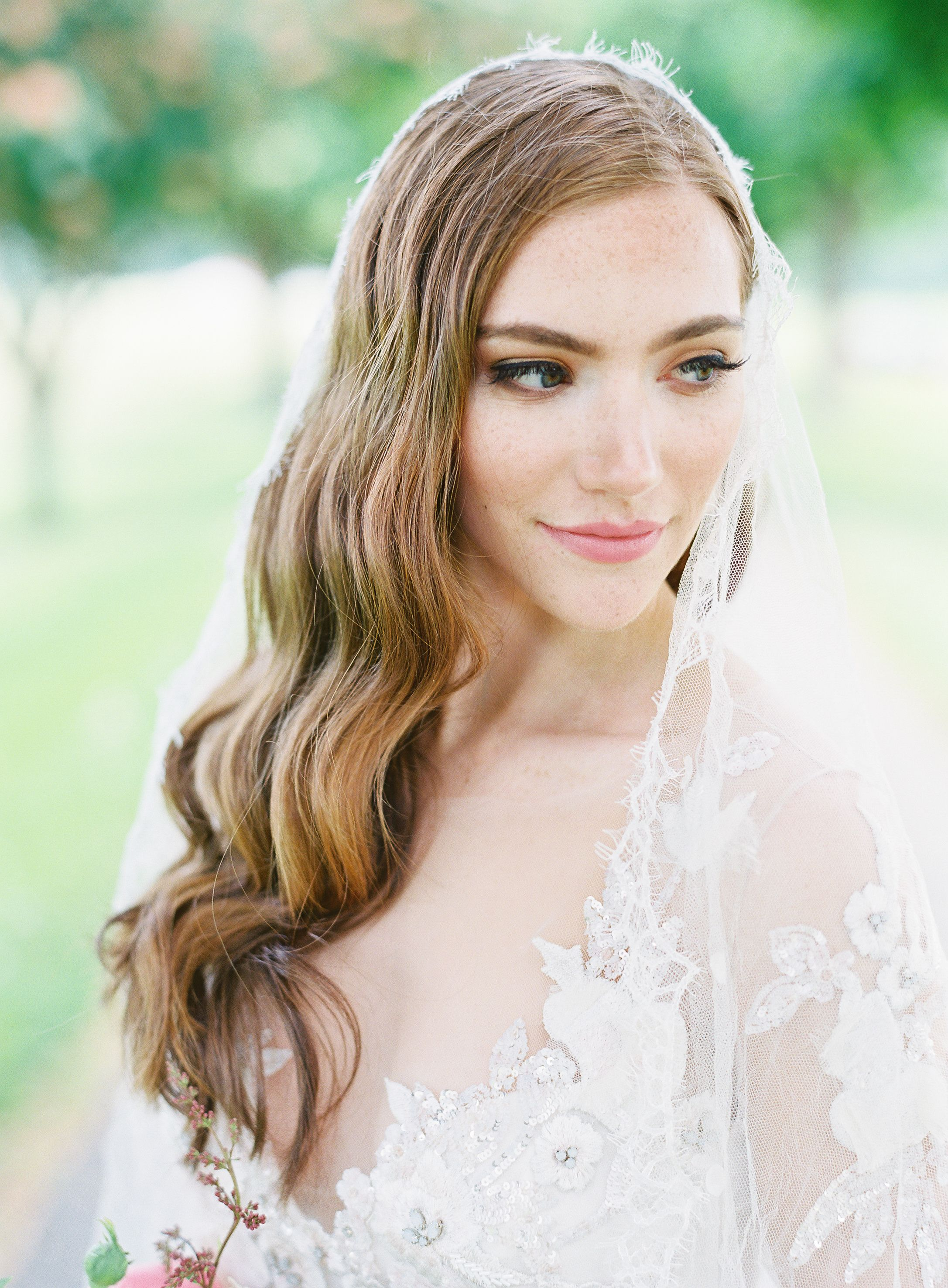 9d817607 3 Ways To Infuse a Modern-Vintage Vibe Into Your Wedding Day in 2019 ...
