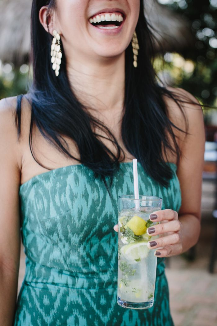 Wedding cocktail hour | fabmood.com #weddingcocktail