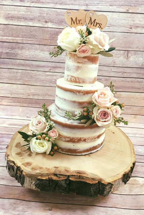 Cake Toppers And Stands For Your Rustic Or Country Wedding Make Dessert Table