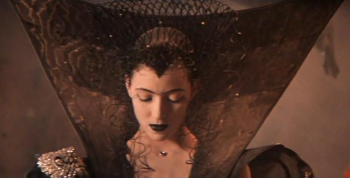 Legend Mia Sara As Dark Lily Moving Pictures Pinterest