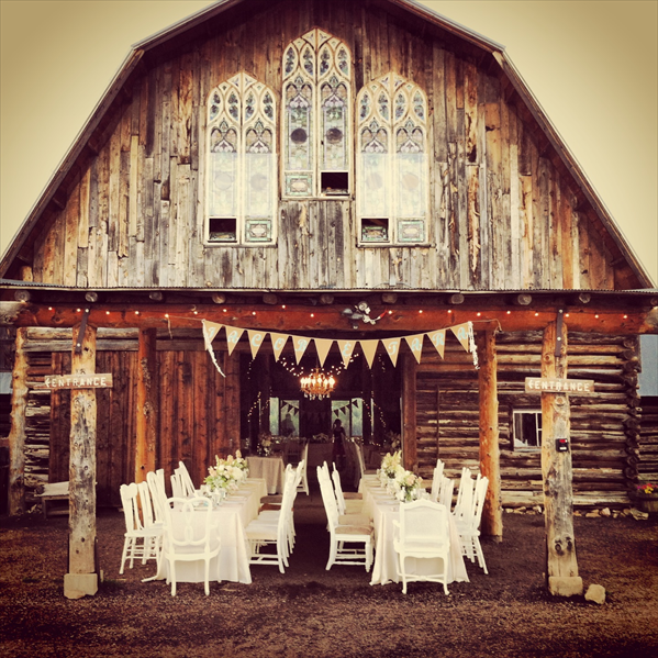 Fraser Valley Wedding Rustic Decorations: The Barn At Evergreen Memorial Park