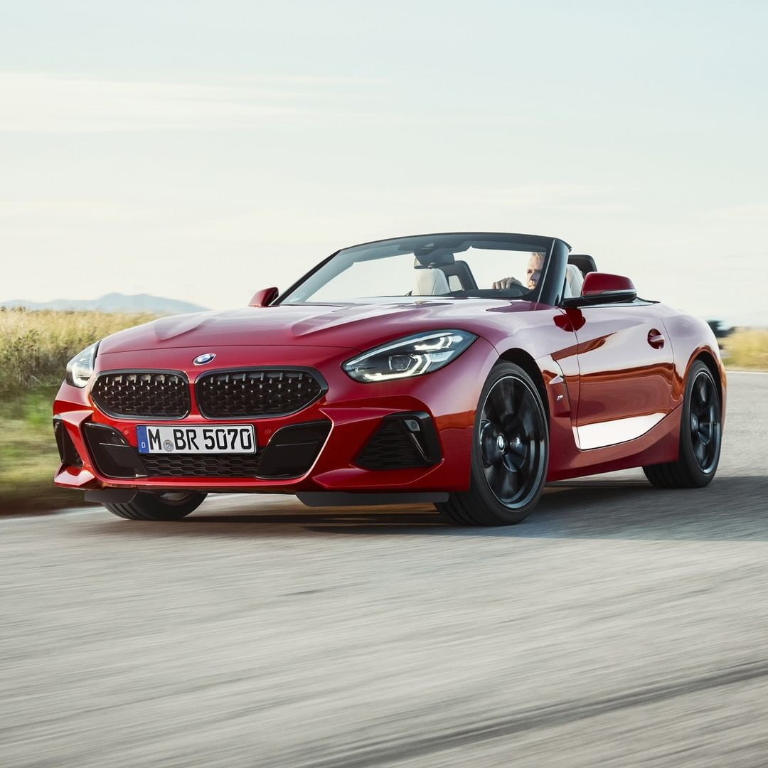 Bmw Z4 Convertible Sports Car: BMW G29 Z4 Roller In San Francisco Red Metallic