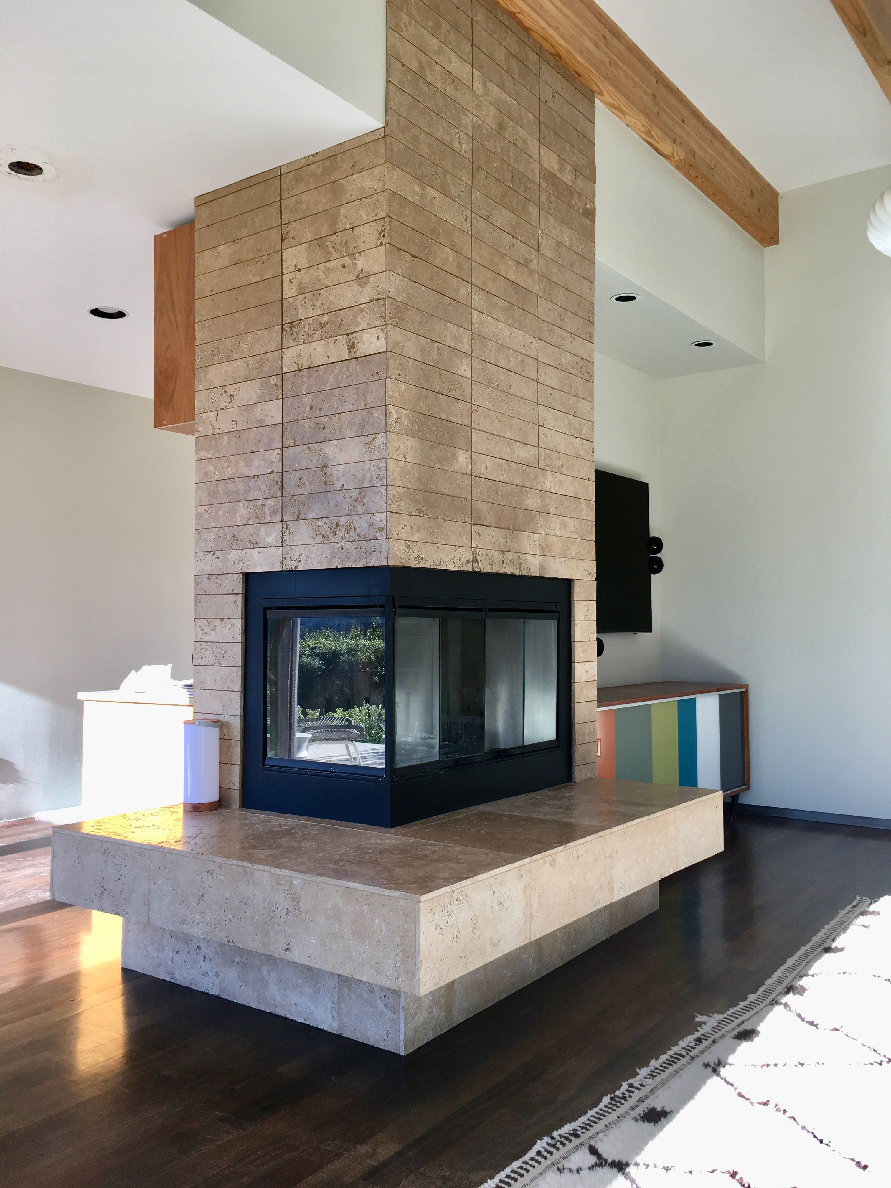 Existing Fireplace I Suggest Removing Hearth And Removing Upper Tile On Soffit And Changing Material To A More Earthy Color Of Ti Fireplace Design Home Decor
