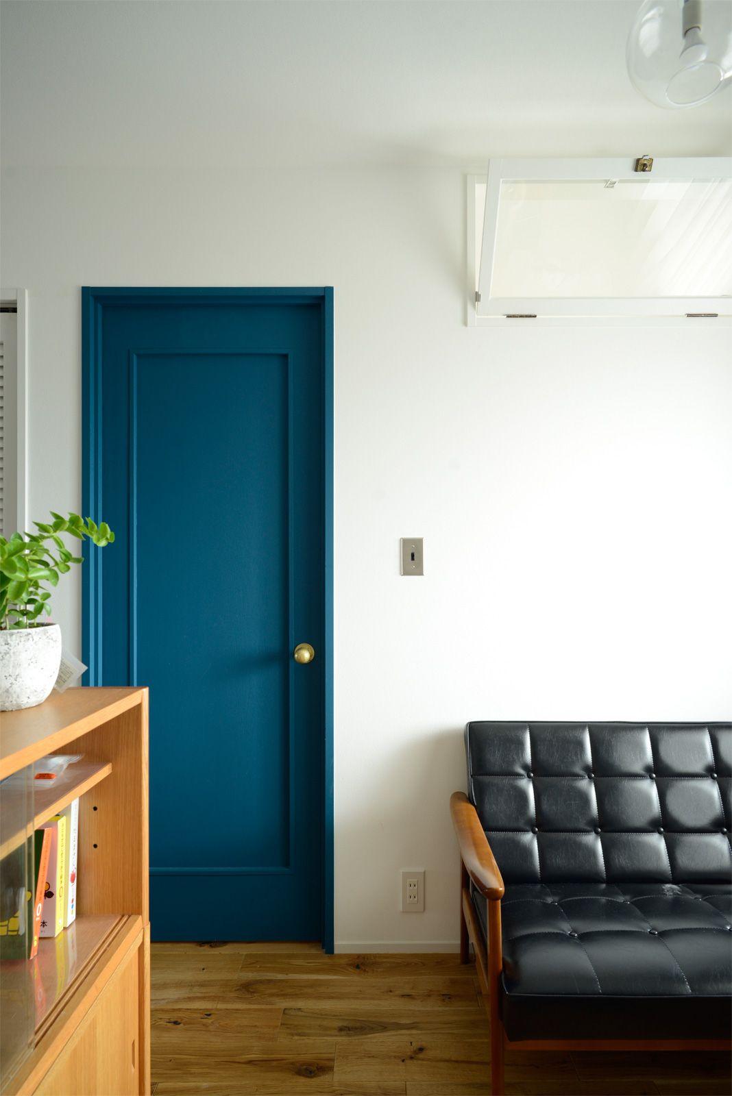 既存のドアを塗装して見違える室内に リノベーション Renovation