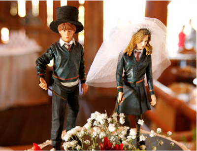 This wedding cake topper is really cute
