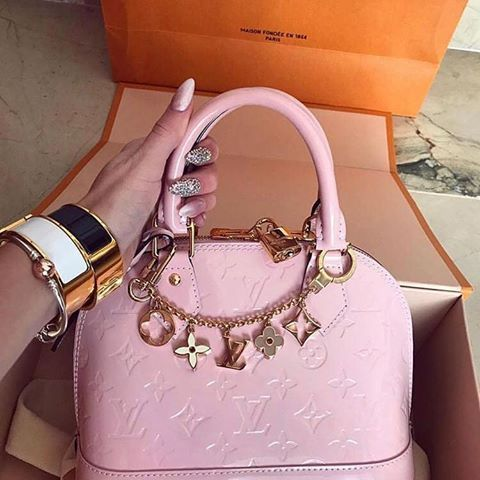 7219c83822023 Info in direct 😻🤑💸💰🔥 #shopping #moda #shoppingonline #louisvuitton  #versace #prada #dsquared #valentino #chanel #gucci #rolex #datejust  #rolexdatejust ...
