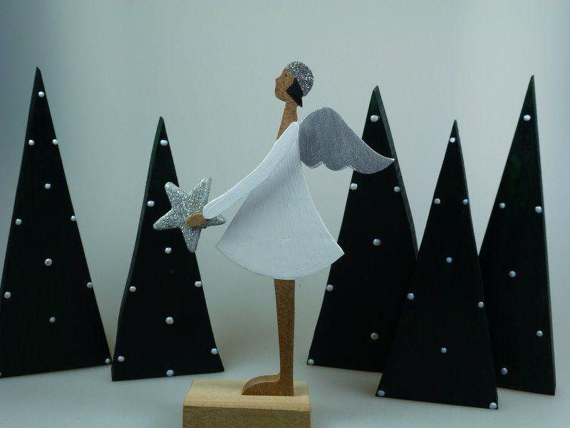 engel mit stern weihnachtsfigur holzfigur von mw. Black Bedroom Furniture Sets. Home Design Ideas