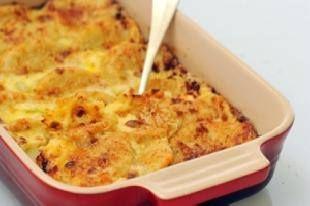 البيت السعيد طريقة عمل صينية بطاطس بالسجق البلدى فى الفرن Food Recipes Food And Drink