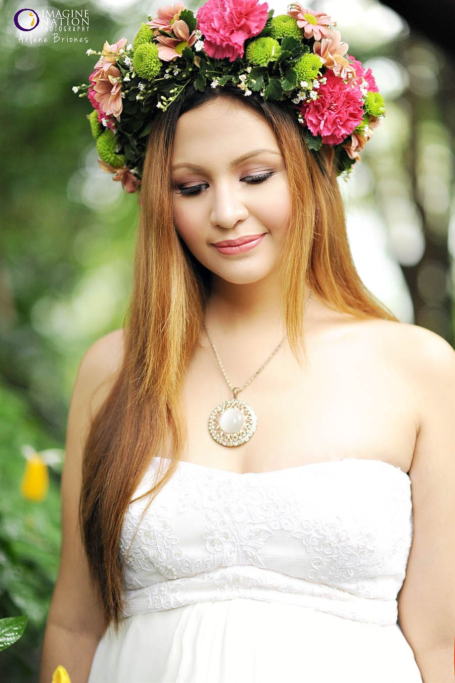 Gab In Her Pretty Flower Crown Boho Goddess Prenup Arlenebriones