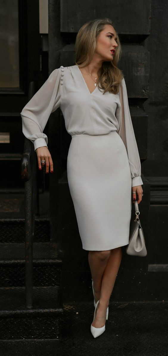Office look | Loose sleeved blouse with cream pencil skirt and white heels #businessattire