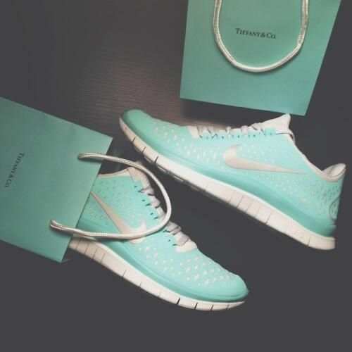 Tiffany Blue Edition Nike Free Runs I Have These In Orange And Pale Green But This Tiffany Blue Ugh I Want Shoes Tiffany Blue Nike Tiffany Blue Nikes