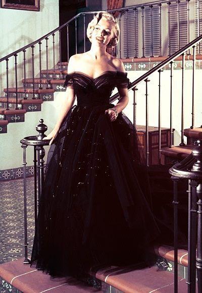Marilyn in a classy black dress