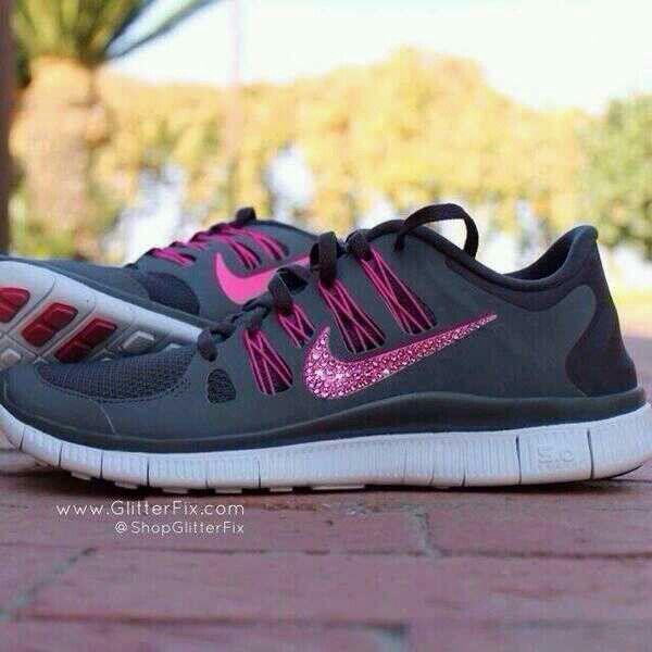 I WANT! Nike running shoes for women.  ShopGlitterFix www.GlitterFix ... 6e619eb2b