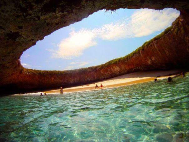 Playa escondida en las islas marietas. Nayarit.
