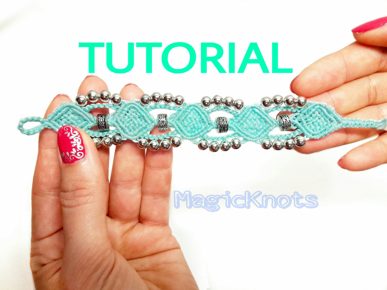 2a44d44a38fc Micro macrame Frozen bracelet tutorial | Macrame, Loops, Knots ...