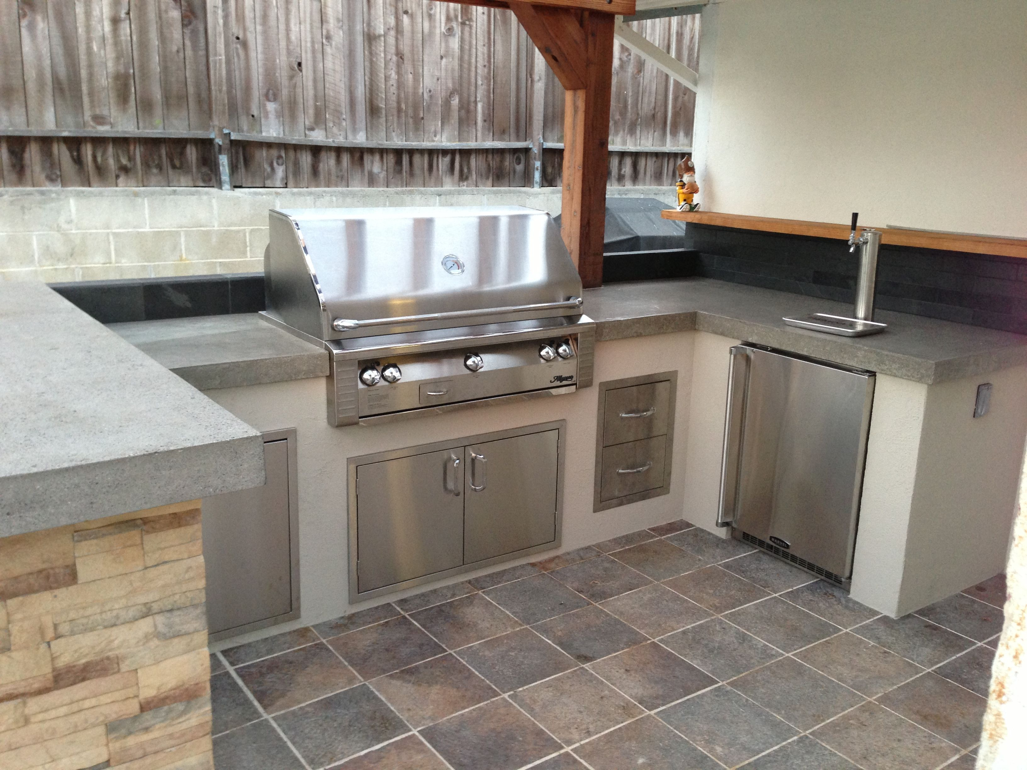 custom outdoor kitchen with alfresco grill with beer keg rh pinterest co uk