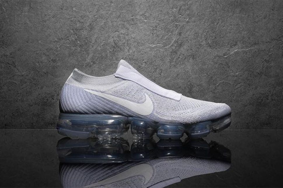 e03a91aa941488 Preview  Nike Air VaporMax Laceless  White  - EU Kicks  Sneaker Magazine