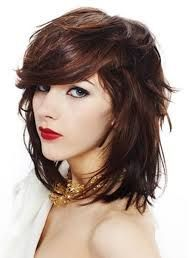Cortes de cabello quebrado para mujeres