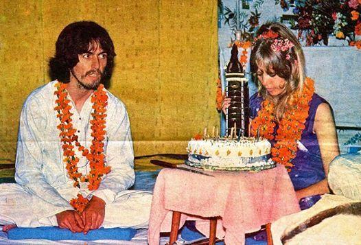 The Beatles Polska: George Harrison świętuje 25. urodziny w Indiach