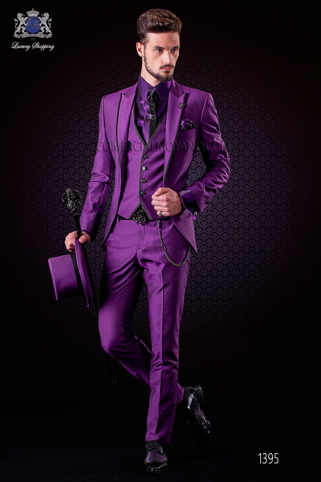 Italienische purpur Bräutigam Anzug mit Weste. Spitzen Revers mit ...