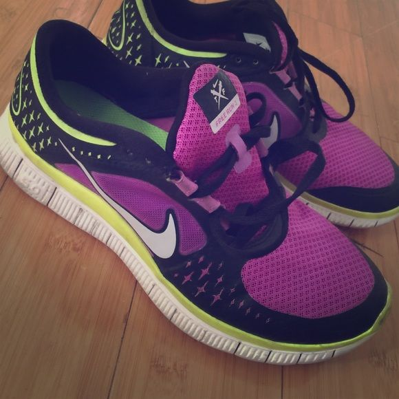 Nike Free Run 3 Super cute Nike Free Run 3, in good condition, limited color way Nike Shoes Sneakers