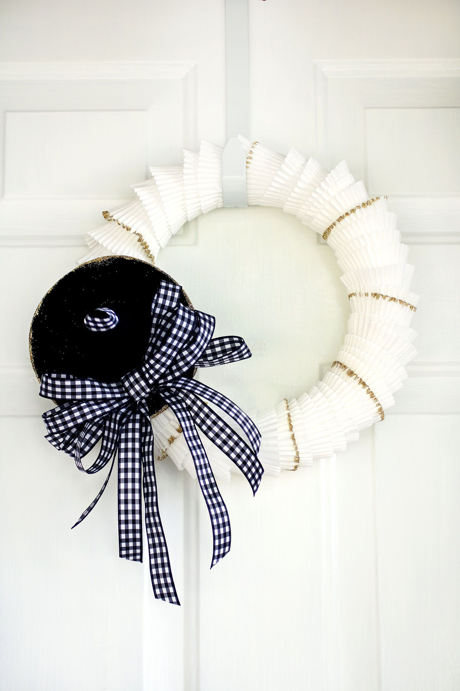 Neutral Witch S Hat Cupcake Liner Wreath 12 Months Of
