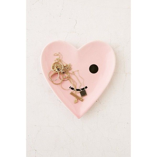 ban.do Happy Heart Catch-All Dish ($18) ❤ liked on Polyvore featuring home, home decor, small item storage, heart shaped dish, heart dishes, heart dish, porcelain dish and porcelain dishes