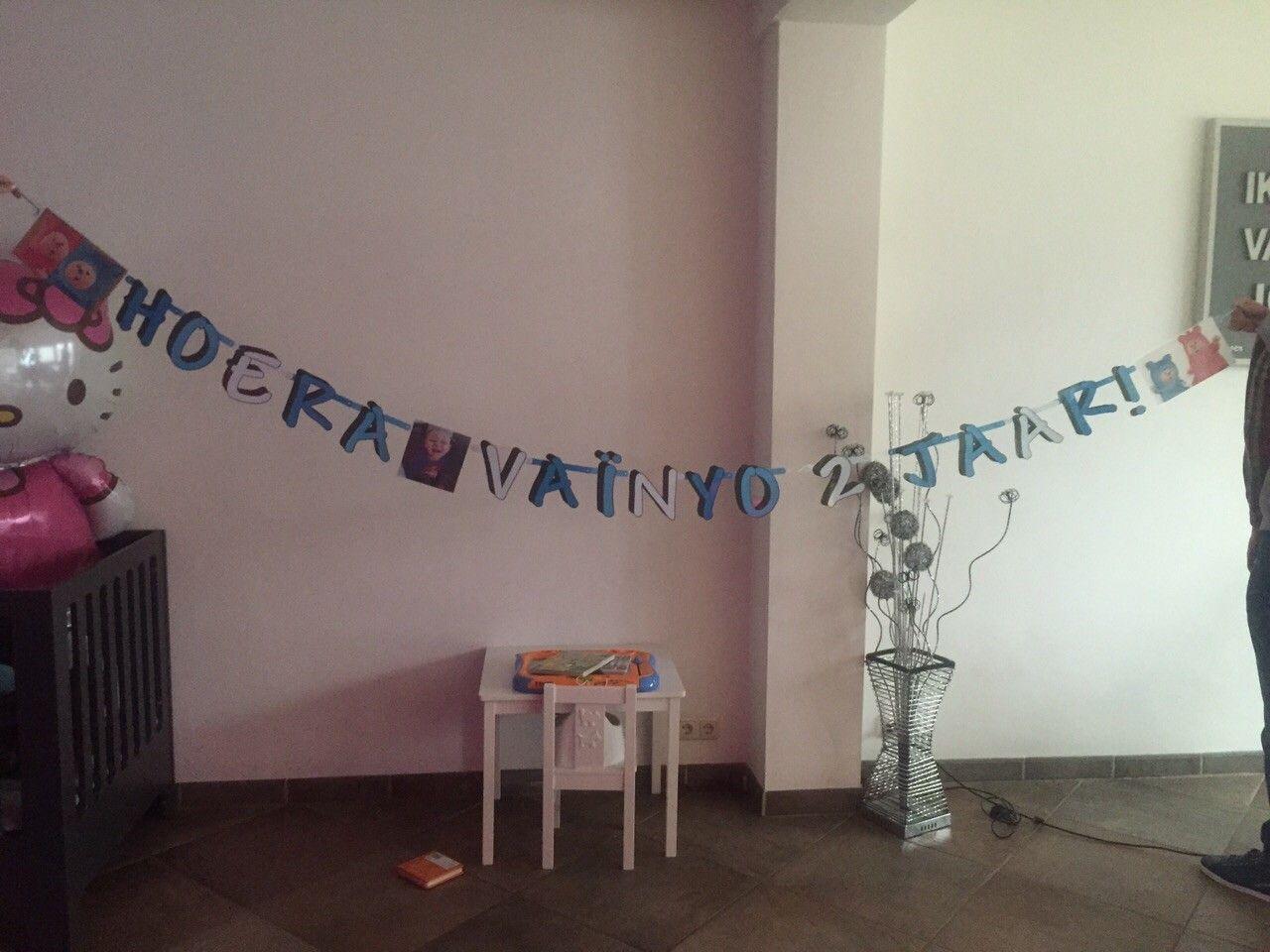 Een leuke verjaardagsslinger met naam. Gemaakt door Partyslingers.nl