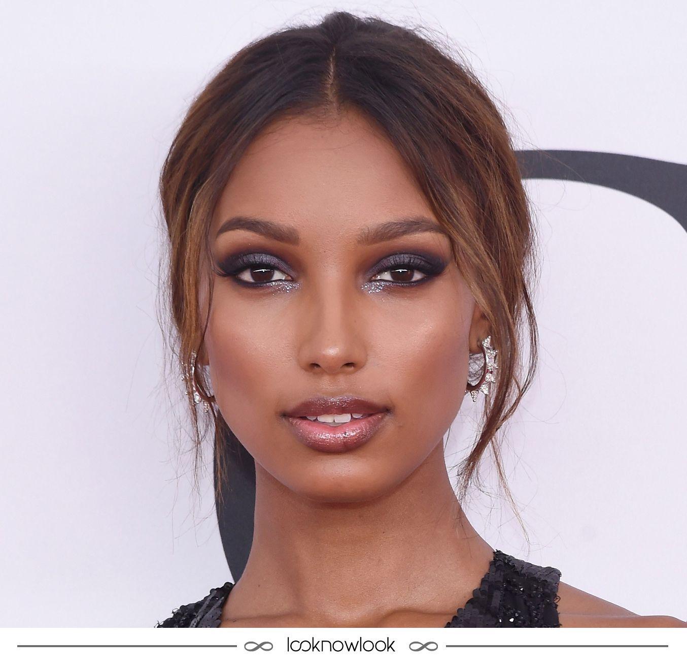Jasmine Tookes maravilhosa no CFDA! Amamos a make esfumada com um toque de brilho que a modelo usou na última segunda-feira no Council of Fashion Designers, evento que premia os destaques da moda. Inspiração perfeita para a próxima festa! #beleza #beauty #maquiagem #makeup #cfda #jasminetookes #inspiração #dica #esfumado #brilho #lnl #looknowlook
