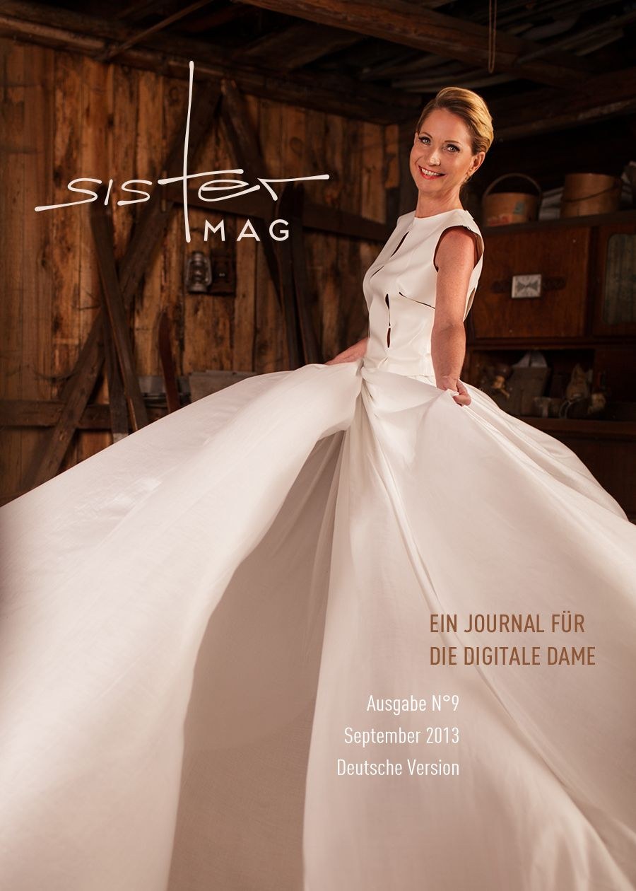 """Cover für sisterMAG N°9 mit Model Jana und einem riesigen Rock. Buchtitel zur Ausgabe: """"Der wilde Tanz der Seidenröcke"""" Photo: Zoe Noble, Makeup & Hair: Lena Schleweis, Styling: Evi Neubauer"""