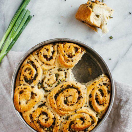 Scallion Pull-apart Bread