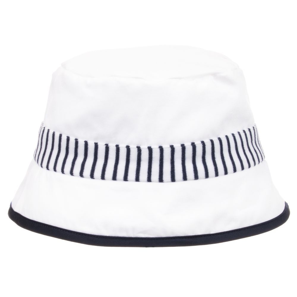 178560e73 Baby boys white sun hat by Patachou, made from lightweight cotton ...
