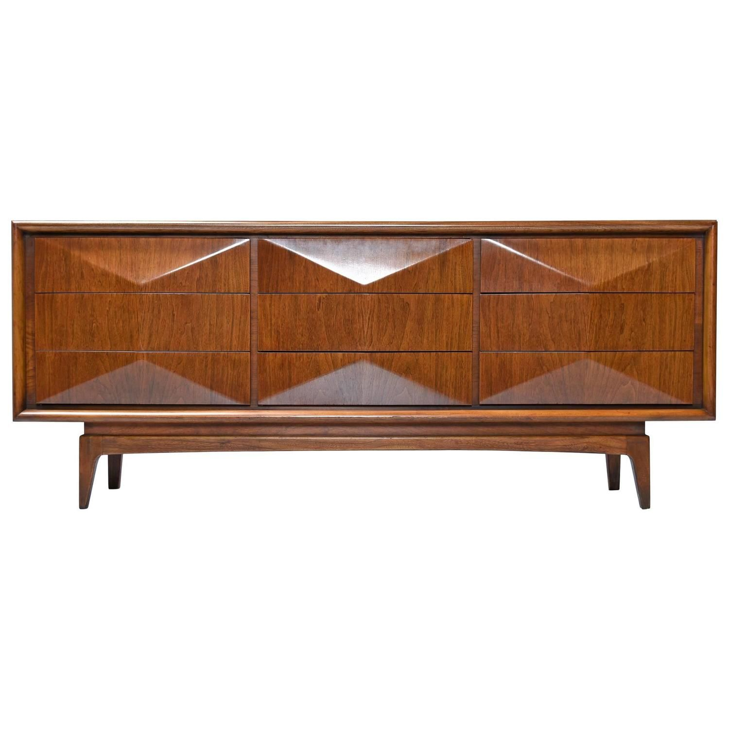 United Furniture 1950S, Diamond Front Triple Dresser