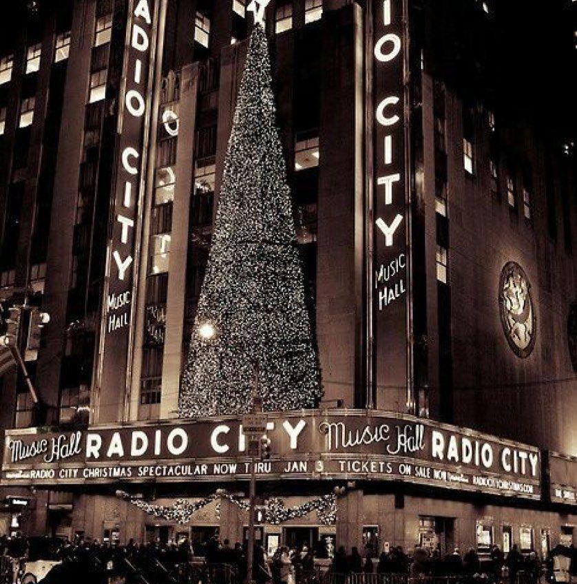 87!🎄🎄🎄 ️ ️ ️ ️🎅🏼🌨 Discover Newyork NY NYC tree