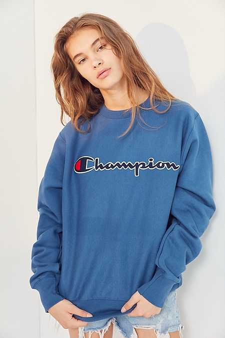 6d1b7a35e Champion Center Logo Crew-Neck Sweatshirt | styles n such ...