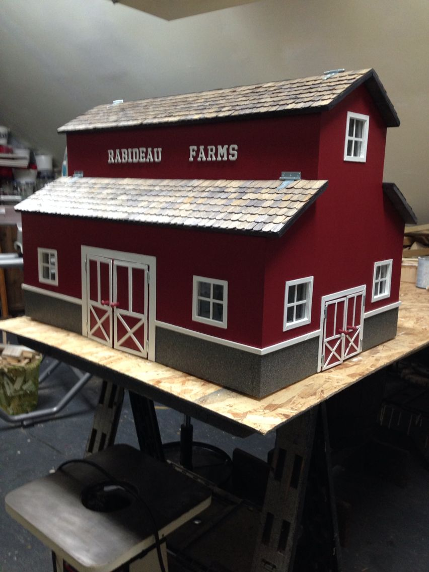 Toy Barn 2 Things Ive Built Wooden Toy Barn Diy Toy Box Toy Barn