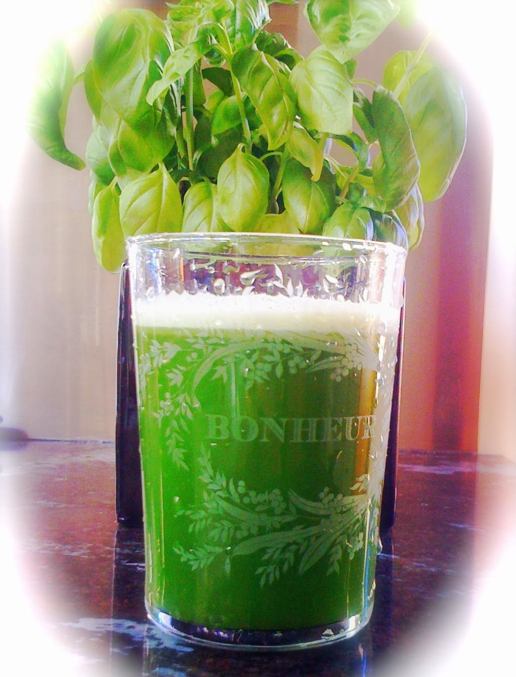 Alessandra Zecchini: Super green juice, and it tastes lovely. #Recipes: http://www.pinterest.com/newdirectionsbh/better-food-drinks/