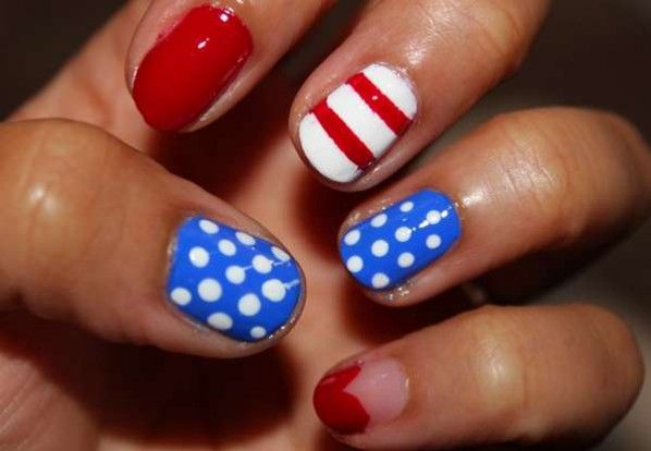 Do It Yourself Nail Designs: Holiday Manicures To Spice Up Your Nails