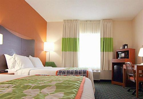 Fairfield Inn By Marriott Kansas City Airport Hotels Com Hotel