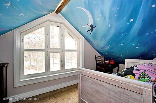 Lovely ceiling for attic bedroom