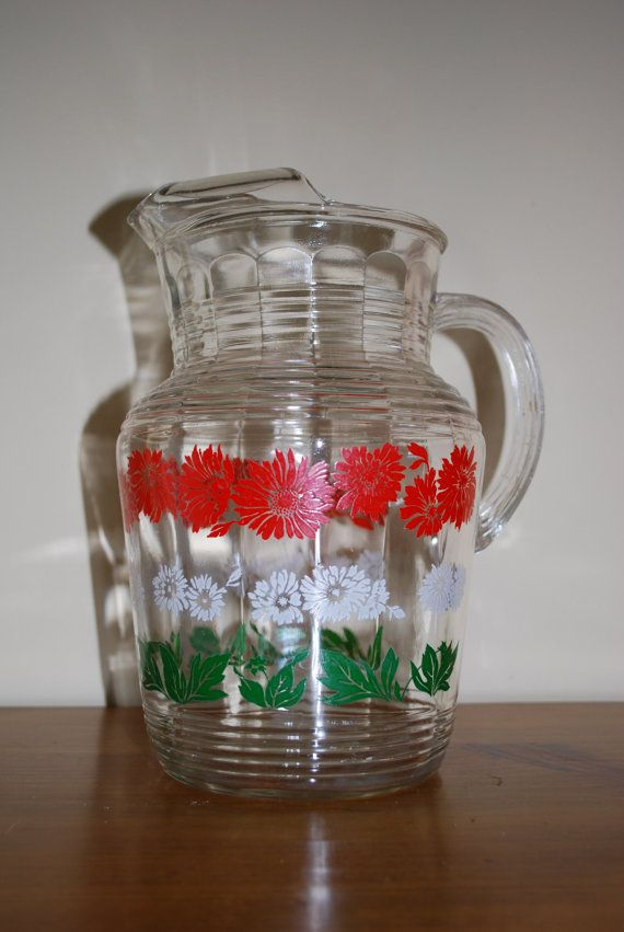 Retro Anchor Hocking Glass Pitcher 1950 S With Ice Lip Etsy In 2020 Vintage Glassware Glass Pitchers Vintage Dishes