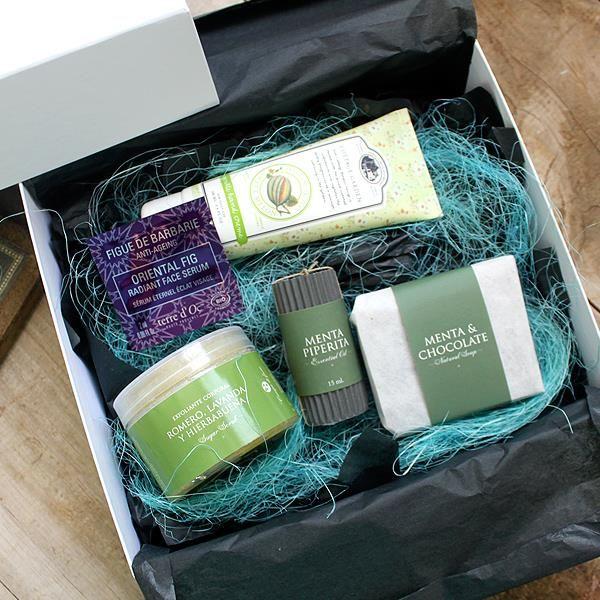A estas alturas, el cuerpo te pide algo fresco. La caja de este mes está llena de productos que te aportarán una sensación muy refrescante. Unboxing, Cajas de belleza