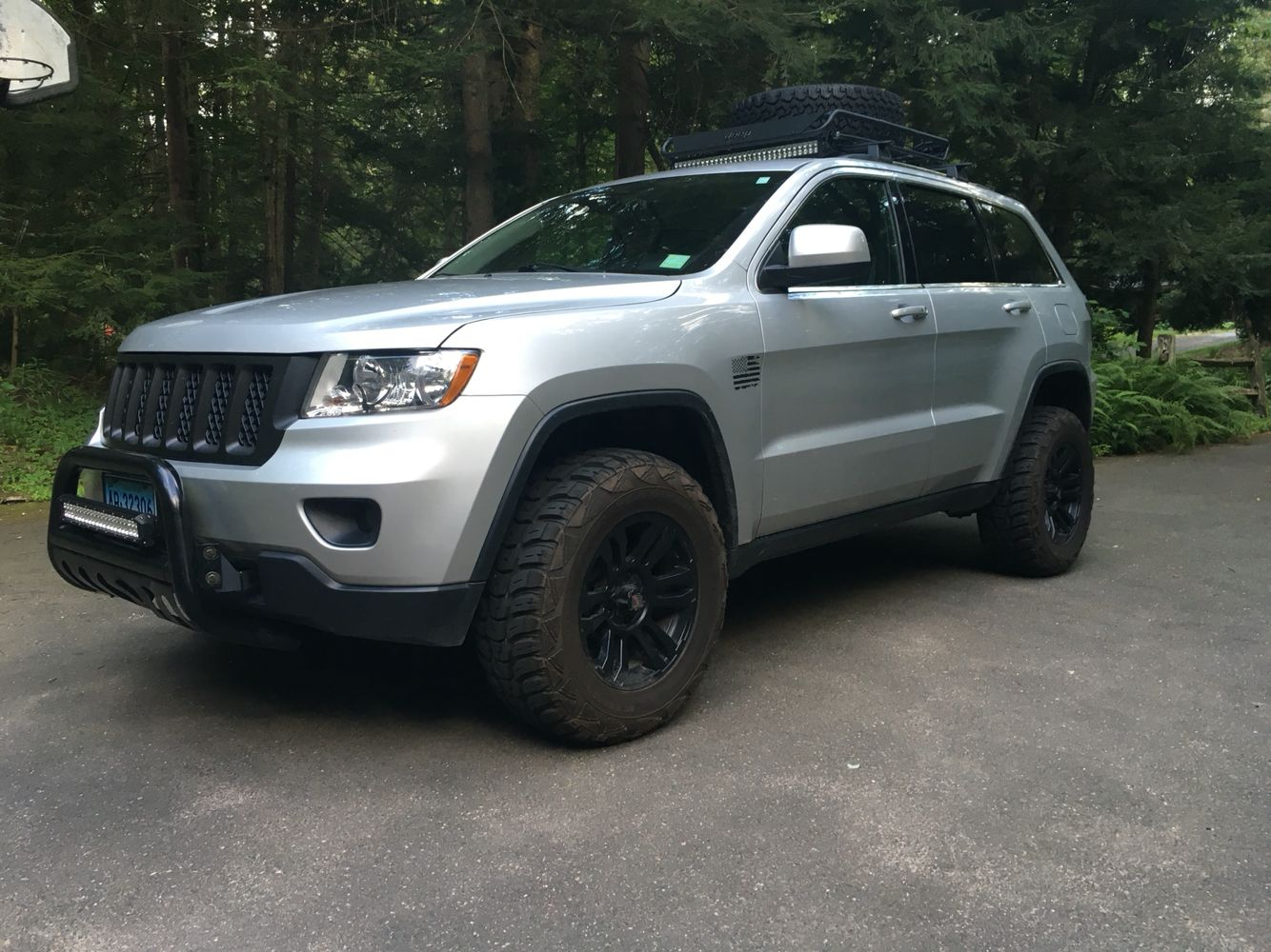 Lifted Grand Cherokee 265 70r17 Kumho Mt Blacked Out Led Light