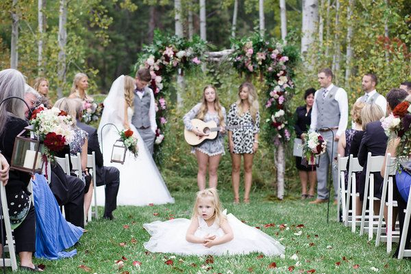 Sweet Wedding Ceremony Moment With Live Music Featuring The Flower Weddingceremony