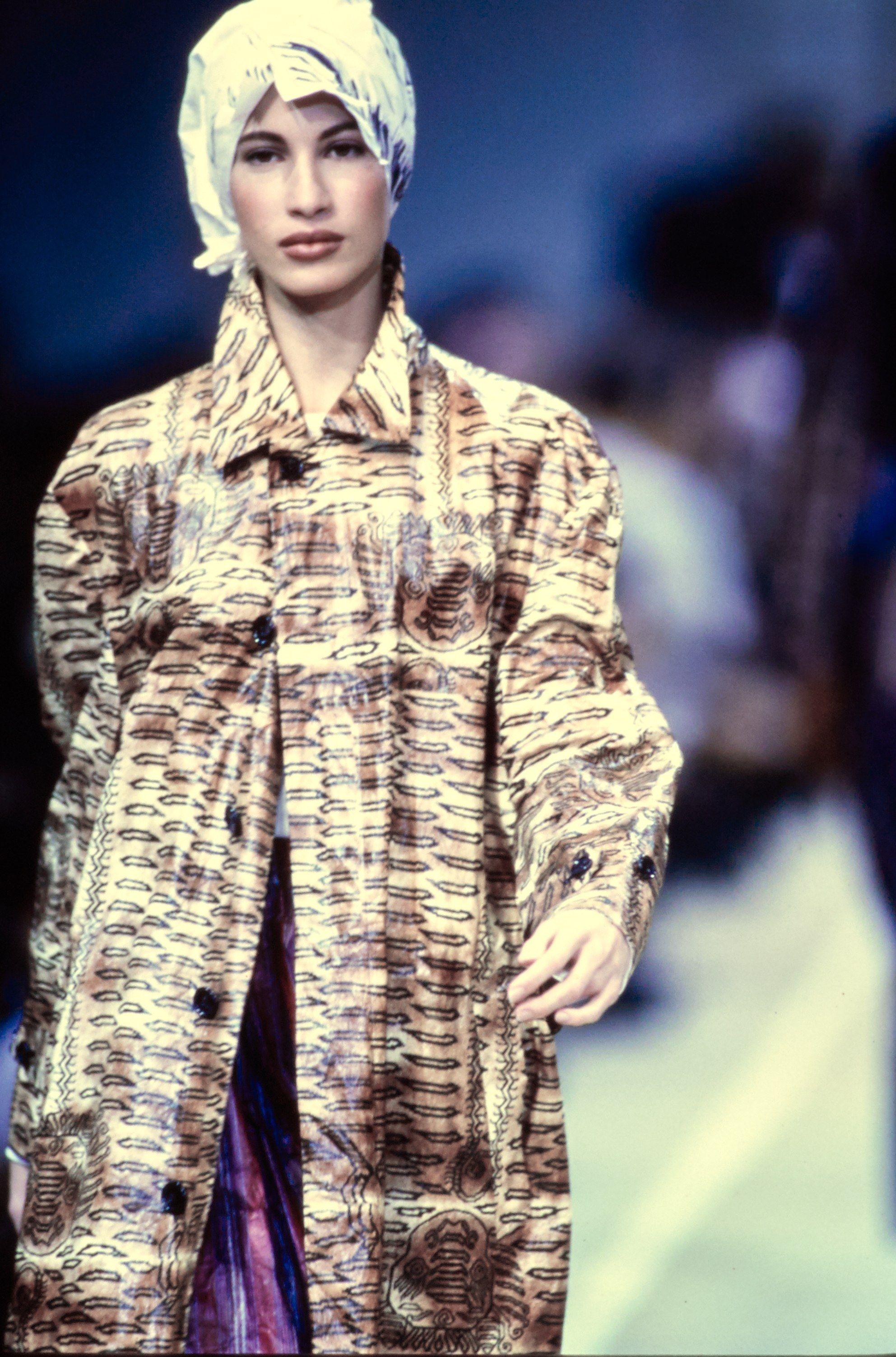 Comme des Garçons Spring 1992 Ready-to-Wear Collection Photos - Vogue