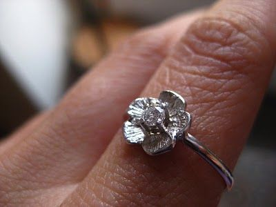 Mi engagement ring... :_