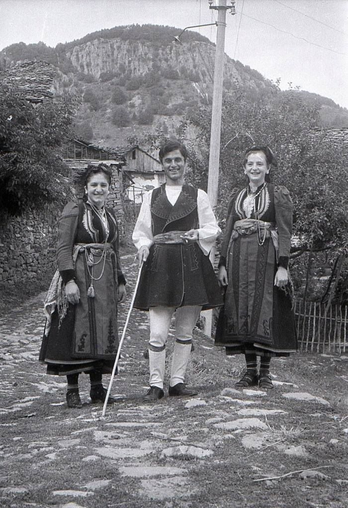 Dardha, Albania | Albanian culture, Ancient greek clothing, Photo