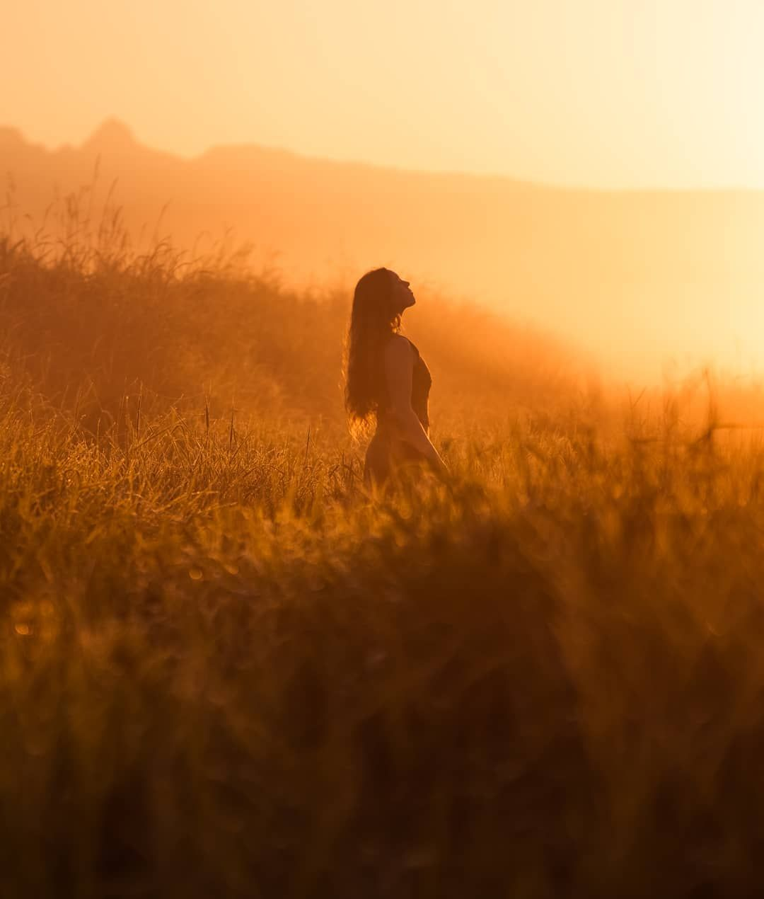 Lizzy Gadd S Photography Truly Shows The Difference Between A Selfie And A Self Portrait Golden Hour Photography Photography Sunrise